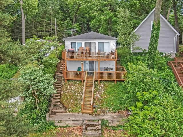 52698 Twin Lakeview Drive, Dowagiac, MI 49047 (MLS #21023888) :: Deb Stevenson Group - Greenridge Realty
