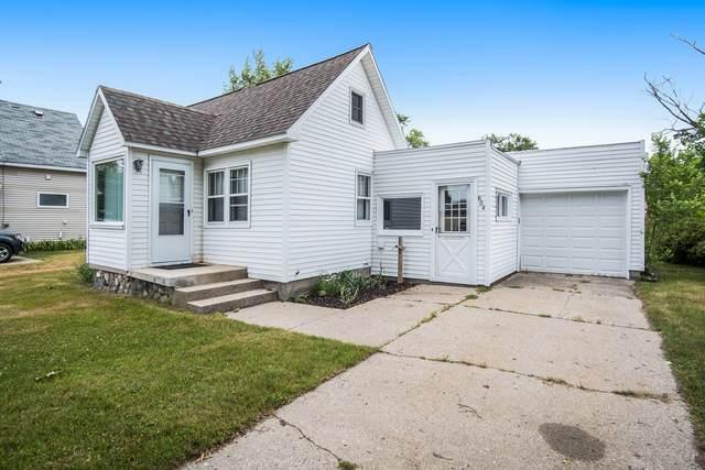 604 Lakeview Street, Ludington, MI 49431 (MLS #21023984) :: CENTURY 21 C. Howard