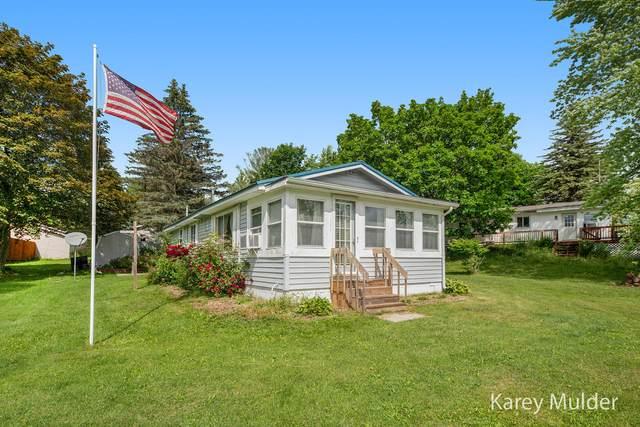 8295 Lake Lure Drive, Evart, MI 49631 (MLS #21024175) :: BlueWest Properties