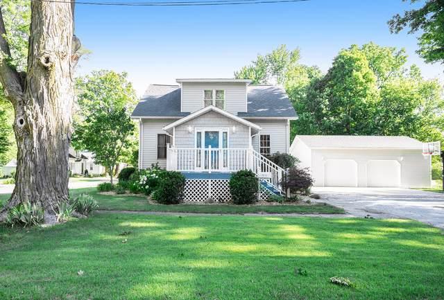 104 E Douglas Street, Bangor, MI 49013 (MLS #21024408) :: Deb Stevenson Group - Greenridge Realty