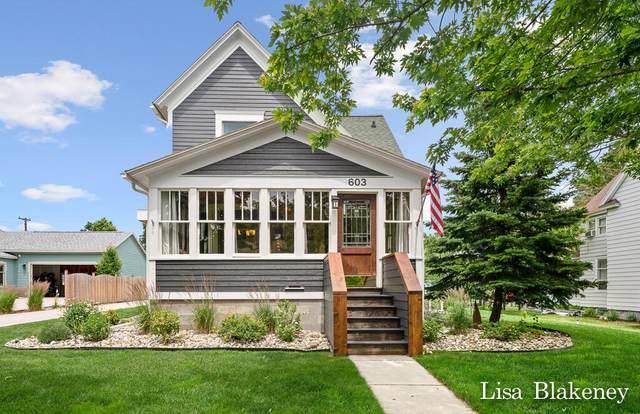 603 Lafayette Avenue, Grand Haven, MI 49417 (MLS #21024443) :: Deb Stevenson Group - Greenridge Realty