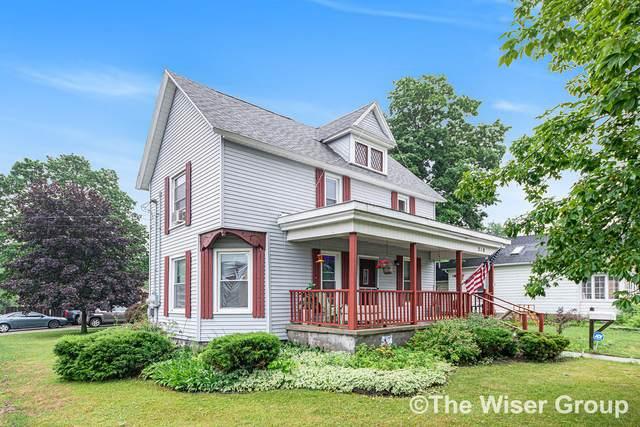 210 Grove Street, Sparta, MI 49345 (MLS #21024840) :: BlueWest Properties