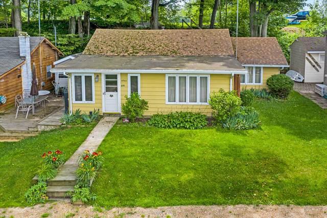 67911 Territorial Road, Lawrence, MI 49064 (MLS #21025653) :: BlueWest Properties