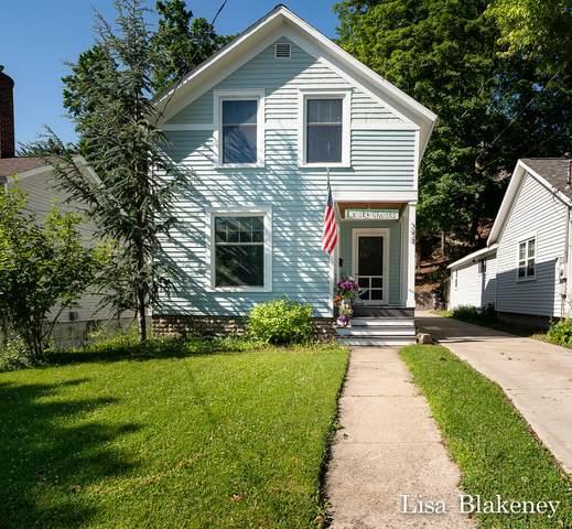 398 Howard Avenue, Grand Haven, MI 49417 (MLS #21025696) :: Deb Stevenson Group - Greenridge Realty