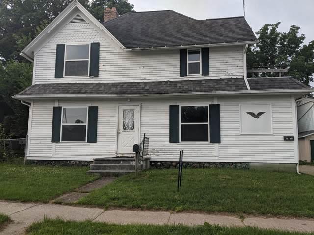 410 E Michigan Avenue, Paw Paw, MI 49079 (MLS #21025699) :: BlueWest Properties