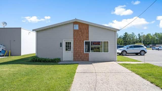 420 N 4th Street, Roscommon, MI 48653 (MLS #21025940) :: Sold by Stevo Team | @Home Realty