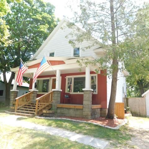 18 W Woodrow Street, Fremont, MI 49412 (MLS #21026027) :: JH Realty Partners