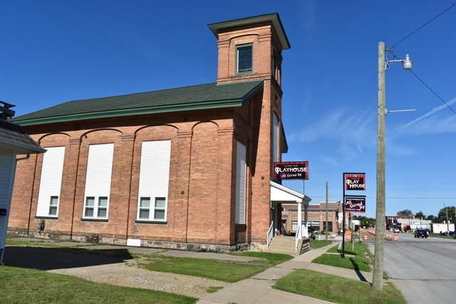 404 E Michigan Avenue, Paw Paw, MI 49079 (MLS #21026051) :: BlueWest Properties