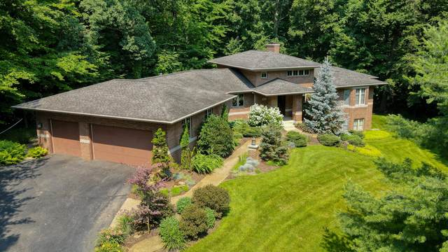 901 Timber Winds Drive SW, Grand Rapids, MI 49534 (MLS #21026103) :: JH Realty Partners