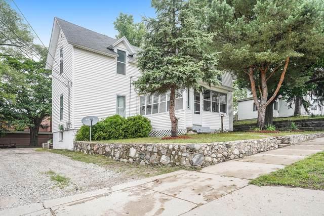 410 E Center Street, Belding, MI 48809 (MLS #21027158) :: Deb Stevenson Group - Greenridge Realty