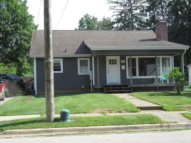 207 W 3rd Street, Buchanan, MI 49107 (MLS #21027238) :: CENTURY 21 C. Howard