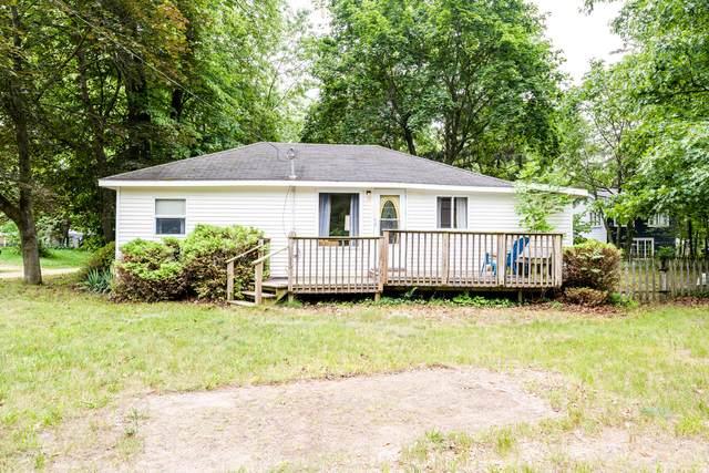 6168 Erie Street, Coloma, MI 49038 (MLS #21027720) :: Deb Stevenson Group - Greenridge Realty