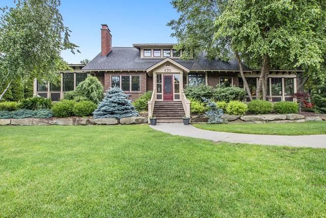 820 Lake Avenue, Grand Haven, MI 49417 (MLS #21033759) :: Deb Stevenson Group - Greenridge Realty