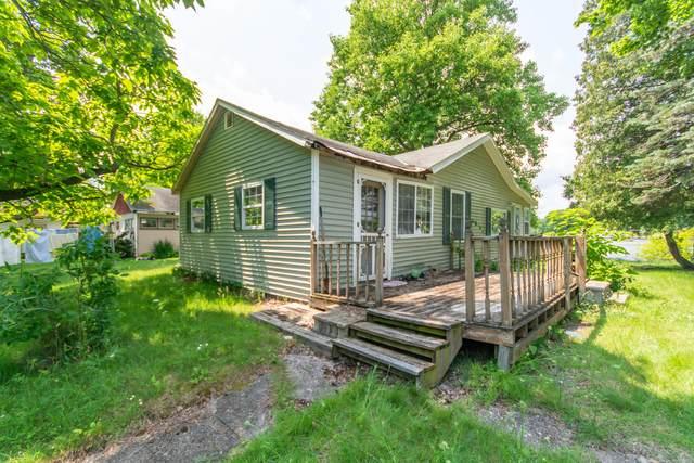 13422 Arnett Drive, Battle Creek, MI 49017 (MLS #21033853) :: Sold by Stevo Team | @Home Realty