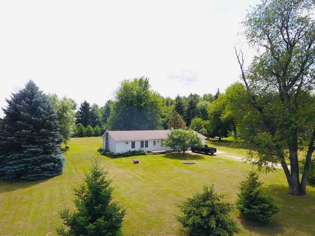 3045 W Humphrey Road, Ithaca, MI 48847 (MLS #21033858) :: Ron Ekema Team