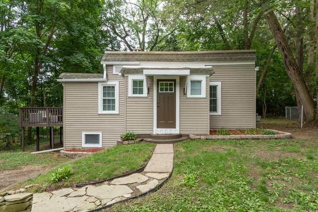 127 Hazen Street, Paw Paw, MI 49079 (MLS #21033870) :: BlueWest Properties