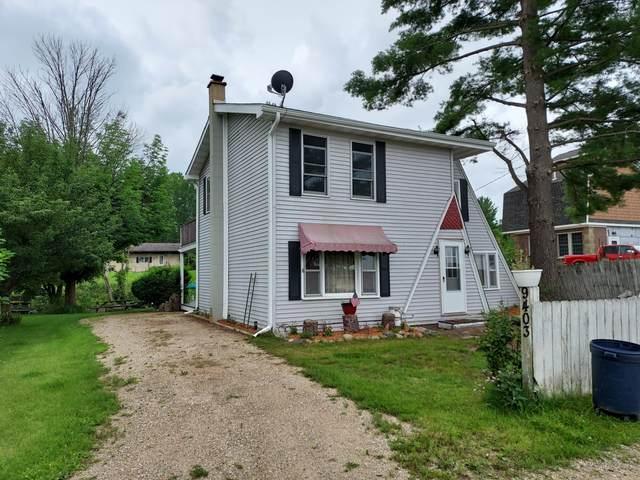 9403 S Lake Drive, Evart, MI 49631 (MLS #21033965) :: BlueWest Properties