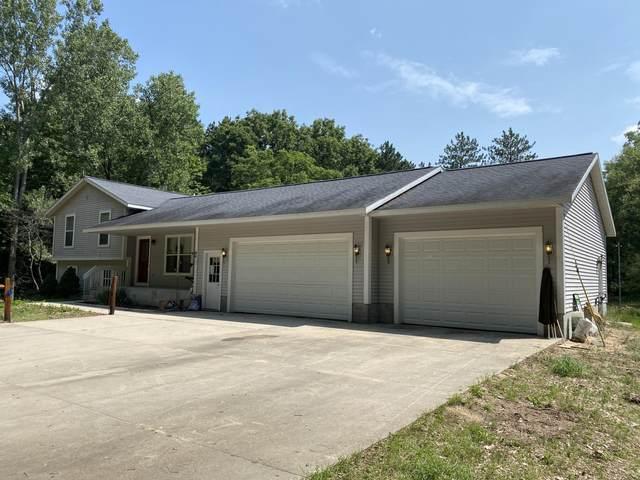 2842 S Maple Island Road, Ravenna, MI 49451 (MLS #21033985) :: BlueWest Properties