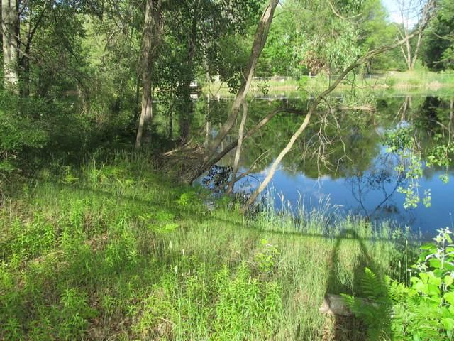 Lot 23 Pond Side Drive, Farwell, MI 48622 (MLS #21064840) :: Ron Ekema Team