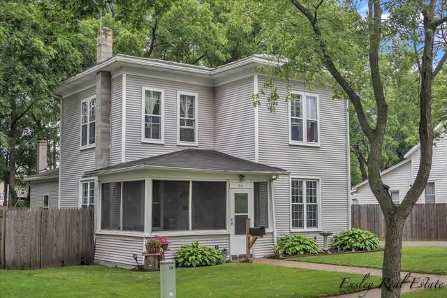 211 S Webster Street, Greenville, MI 48838 (MLS #21064874) :: BlueWest Properties