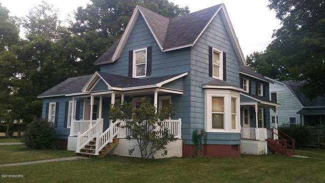 115 W Cass Street, Bangor, MI 49013 (MLS #21064941) :: Deb Stevenson Group - Greenridge Realty