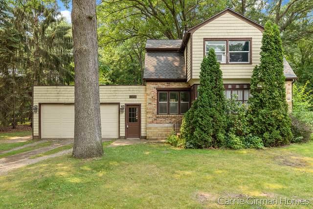 274 Rose Avenue, Holland, MI 49424 (MLS #21064945) :: Deb Stevenson Group - Greenridge Realty