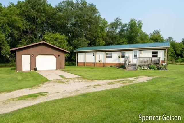 3404 W County Farm Road, Sheridan, MI 48884 (MLS #21070104) :: BlueWest Properties