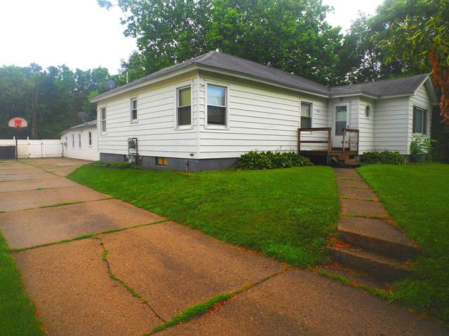 226 E Maple Street, Wayland, MI 49348 (MLS #21082130) :: BlueWest Properties