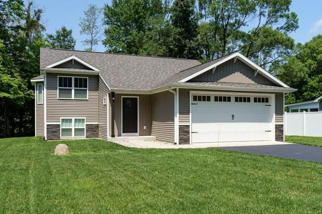 7088 W Ml Avenue, Kalamazoo, MI 49009 (MLS #21090689) :: Deb Stevenson Group - Greenridge Realty