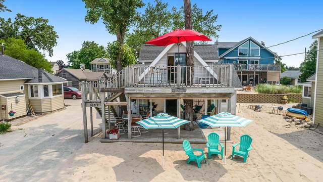 1682 Beach Street, Muskegon, MI 49441 (MLS #21094934) :: JH Realty Partners