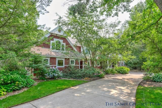 18041 Wildwood Springs Parkway, Spring Lake, MI 49456 (MLS #21094957) :: BlueWest Properties