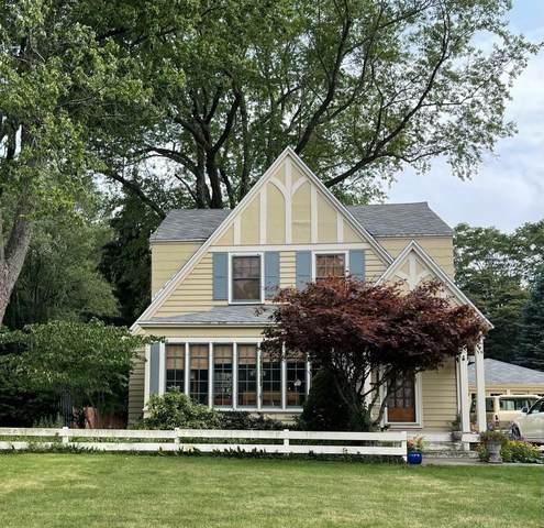 1908 South Shore Drive, Holland, MI 49423 (MLS #21095269) :: BlueWest Properties