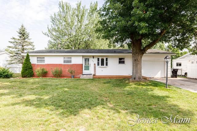 323 E Beech Street NE, Cedar Springs, MI 49319 (MLS #21095287) :: Ron Ekema Team