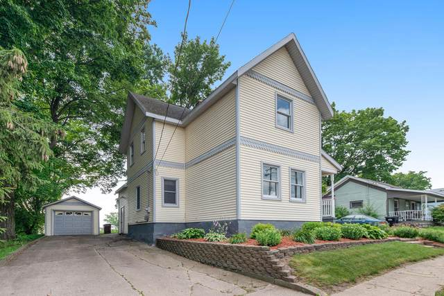 42 E Waterloo Street NW, Casnovia, MI 49318 (MLS #21095326) :: BlueWest Properties