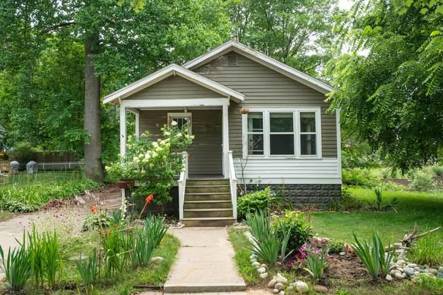732 Green Street, South Haven, MI 49090 (MLS #21095332) :: Deb Stevenson Group - Greenridge Realty