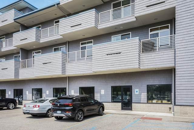 529 Miller Drive #202, Grand Haven, MI 49417 (MLS #21095355) :: Deb Stevenson Group - Greenridge Realty