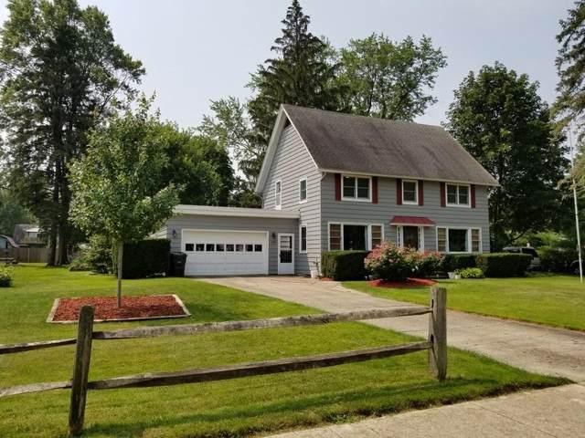 108 E Locust Street, Three Oaks, MI 49128 (MLS #21095578) :: BlueWest Properties