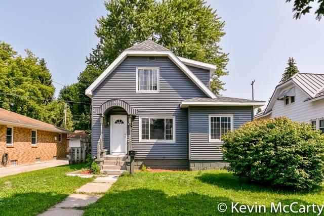 1035 Veto Street NW, Grand Rapids, MI 49504 (MLS #21095676) :: Ron Ekema Team