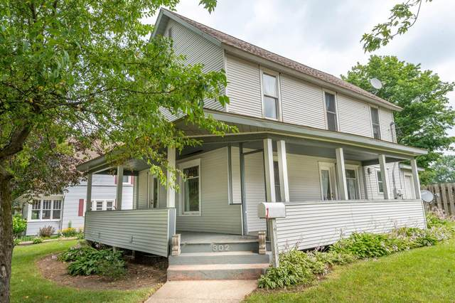 302 N Elm Street, Three Oaks, MI 49128 (MLS #21096637) :: BlueWest Properties