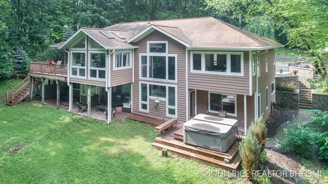7700 Sun Quest Ridge Drive NE, Ada, MI 49301 (MLS #21096746) :: Ginger Baxter Group
