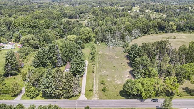5850 8 Mile Road, Onekama, MI 49675 (MLS #21096852) :: BlueWest Properties