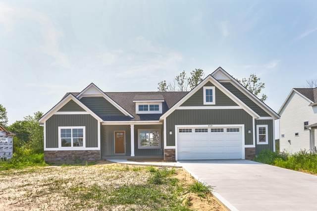 4728 West Lake Drive, Holland, MI 49423 (MLS #21096867) :: Deb Stevenson Group - Greenridge Realty