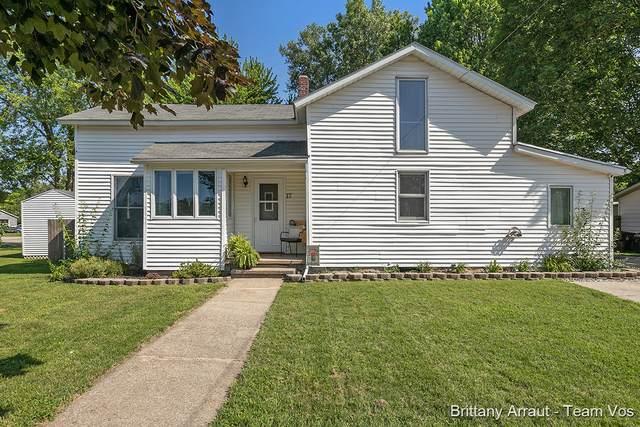 17 Alma Street E Nw, Sparta, MI 49345 (MLS #21096960) :: Deb Stevenson Group - Greenridge Realty
