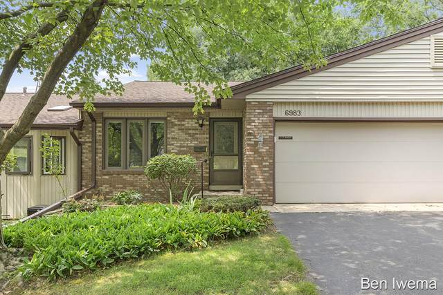 6983 Holly Hill Court SW, Byron Center, MI 49315 (MLS #21097226) :: JH Realty Partners