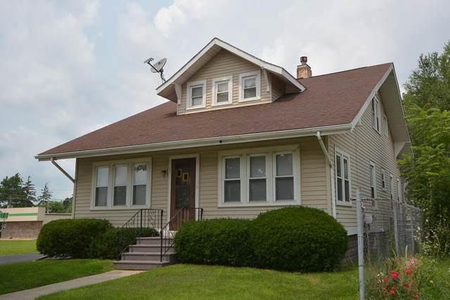 407 E Michigan Avenue, Paw Paw, MI 49079 (MLS #21097250) :: BlueWest Properties
