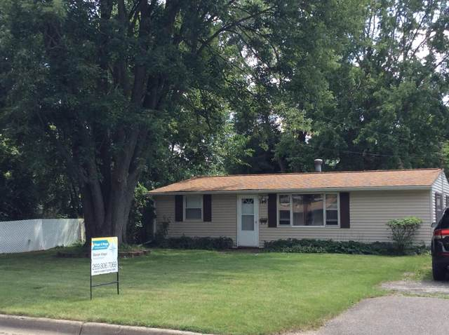 149 Wellworth Avenue, Springfield, MI 49037 (MLS #21097300) :: Deb Stevenson Group - Greenridge Realty