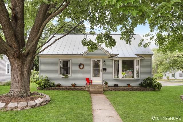 1955 Lee Street SW, Wyoming, MI 49519 (MLS #21097358) :: Deb Stevenson Group - Greenridge Realty