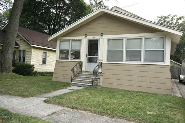 1715 Jarman Street, Muskegon, MI 49442 (MLS #21097380) :: JH Realty Partners