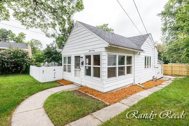 1540 Valley Avenue NW, Grand Rapids, MI 49504 (MLS #21097512) :: Ginger Baxter Group