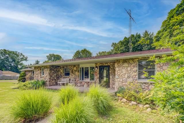 7318 W Youngren Road, Three Oaks, MI 49128 (MLS #21097589) :: Deb Stevenson Group - Greenridge Realty